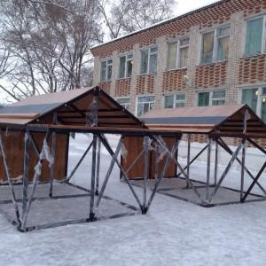 Домик спасательный спортивный для соревнований по пожарно-прикладному спорту с деревянной крышей.